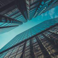 会社の株式が分散することのデメリットと株式を集約する方法