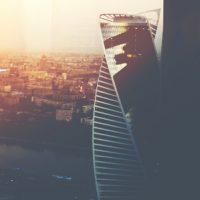 会社の株式を譲渡する際の契約書の内容と、当事者と会社から見た手続の重要ポイント