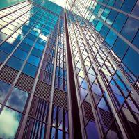 企業が外国人を雇用する上での法的留意点